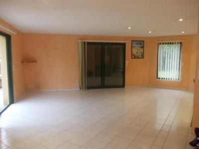 Secteur Chaussin, vends belle maison (2002 ) de 7 pièces, 120m², 2 garage sur 2300m² de terrain clos, salon/séjour 50m²