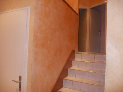 Secteur Chaussin, vends belle maison (2002 ) de 7 pièces, 120m², 2 garage sur 2300m² de terrain clos, accès demi étage
