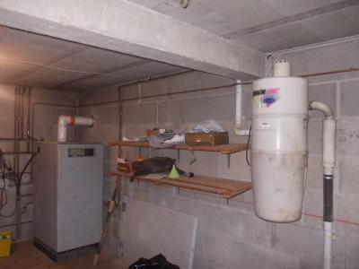 Secteur Chaussin, vends belle maison (2002 ) de 7 pièces, 120m², 2 garage sur 2300m² de terrain clos, garage avec chaufferie et aspiration centralisée
