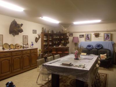 Proche Dole, vends ancien Moulin ( 1280 ) de 12 pièces, 450m² habitable sur 20000m² de terrain clos., salon/séjour 84m²