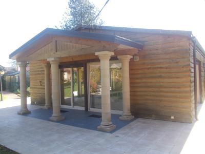 Vends bel ensemble (habitation 290m² et gîte de 158m²) piscine sur 2821m² de terrain clos et arboré., entrée piscine chauffée