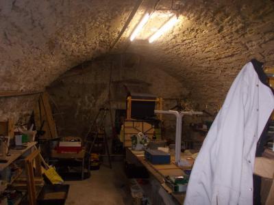 Sect. Cramans, vends grande maison avec gîte 8 + 4 pièces, 140 + 65m² sur 2400m² de terrain clos, grande cave voutée