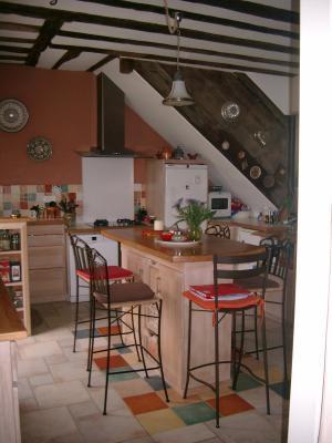 Sect. Cramans, vends grande maison avec gîte 8 + 4 pièces, 140 + 65m² sur 2400m² de terrain clos, cuisine équipée gîte