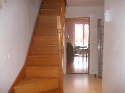 Secteur Chaussin, vends maison de 6 pièces, 175m²habitable sur 1300m² de terrain clos, accès étage
