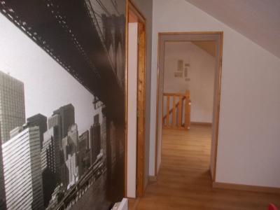 Secteur Chaussin, vends maison de 6 pièces, 175m²habitable sur 1300m² de terrain clos, couloir étage