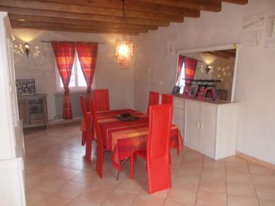 Secteur Chaussin, vends maison de 6 pièces, 175m²habitable sur 1300m² de terrain clos, séjour 26m²