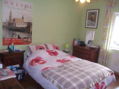 Secteur Dole, vends charmante maison de vigneron de 7 pièces, 108m² sur 500m² de terrain clos, chambre RdC