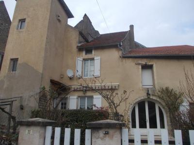 Secteur Dole, vends charmante maison de vigneron de 7 pièces, 108m² sur 500m² de terrain clos, idem