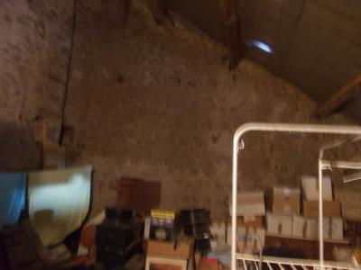 Secteur Dole, vends charmante maison de vigneron de 7 pièces, 108m² sur 500m² de terrain clos, cave voutée 60m²