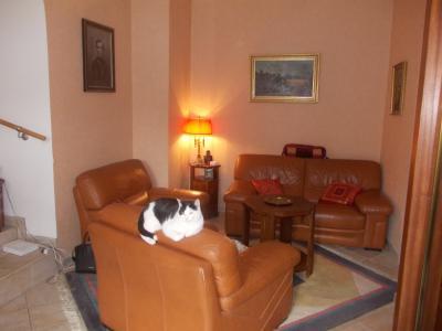 Secteur Dole, vends charmante maison de vigneron de 7 pièces, 108m² sur 500m² de terrain clos, coin salon