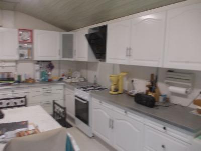 Secteur Chaumergy, à vendre agréable maison de 5 pièces 95m² habitable sur 1400m² de terrain., cuisine équipée