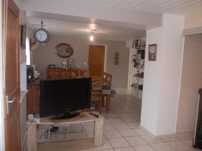 Secteur Chaumergy, à vendre agréable maison de 5 pièces 95m² habitable sur 1400m² de terrain., salon/séjour 32m²