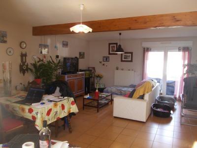 MONT SOUS VAUDREY (39380) A VENDRE  maison récéente POUR INVESTISSEURS  rendement de 5,95% brut., salon/séjour 33 m²
