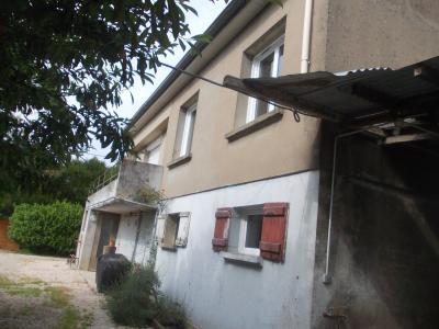 Secteur Chaussin vends maison de 5 pièces 85m², terrain clos de 1500m² avec 60m² de dépendances., vue de droite avant