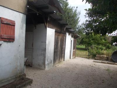 Secteur Chaussin vends maison de 5 pièces 85m², terrain clos de 1500m² avec 60m² de dépendances., dépendances