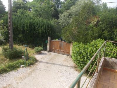 Secteur Chaussin vends maison de 5 pièces 85m², terrain clos de 1500m² avec 60m² de dépendances., entrée