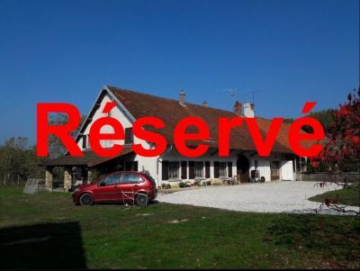 Chaumergy, à vendre ancienne ferme restaurée de 8 pièces, 240m² sur 5093m² de terrain clos.,