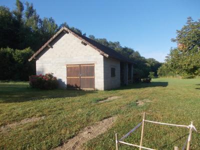 Chaumergy, à vendre ancienne ferme restaurée de 8 pièces, 240m² sur 5093m² de terrain clos., idem avec garage