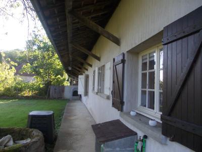Chaumergy, à vendre ancienne ferme restaurée de 8 pièces, 240m² sur 5093m² de terrain clos., vue arrière