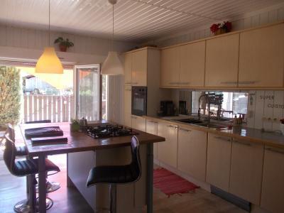 Secteur Chaussin, vends agréable maison de 6 pièces, véranda, 180m² sur 500m² de terrain clos, cuisine équipée