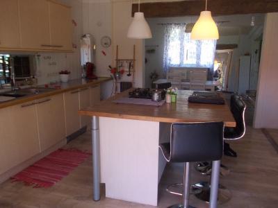 Secteur Chaussin, vends agréable maison de 6 pièces, véranda, 180m² sur 500m² de terrain clos, idem