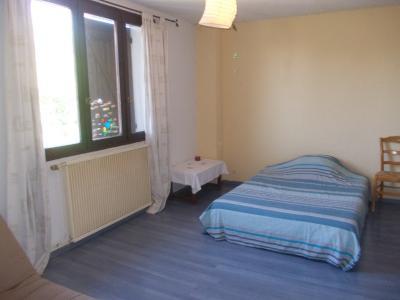 Secteur Chaussin, vends agréable maison de 6 pièces, véranda, 180m² sur 500m² de terrain clos, chambre 3