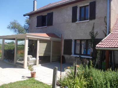 Secteur Chaussin, vends agréable maison de 6 pièces, véranda, 180m² sur 500m² de terrain clos, arrière droit