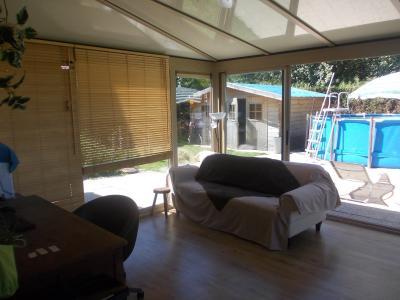 Secteur Chaussin, vends agréable maison de 6 pièces, véranda, 180m² sur 500m² de terrain clos, intérieur véranda