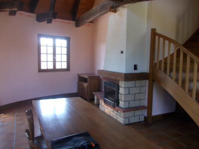 Proche Chaussin, vends belle maison de 7 pièces, 135m², dépendances sur 4800m² de terrain arboré, cheminée/insert salon
