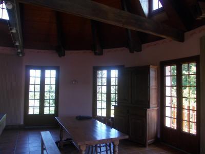 Proche Chaussin, vends belle maison de 7 pièces, 135m², dépendances sur 4800m² de terrain arboré, salon/séjour en arrondi