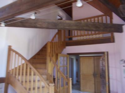 Proche Chaussin, vends belle maison de 7 pièces, 135m², dépendances sur 4800m² de terrain arboré, Accès étage avec mezzanine