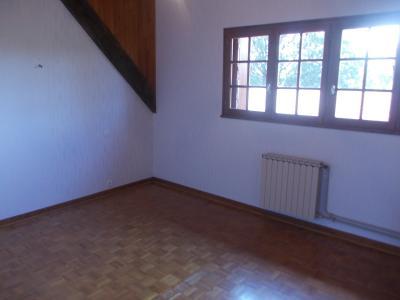 Proche Chaussin, vends belle maison de 7 pièces, 135m², dépendances sur 4800m² de terrain arboré, chambre 1 étage