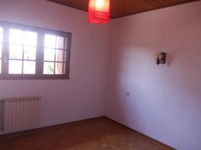 Proche Chaussin, vends belle maison de 7 pièces, 135m², dépendances sur 4800m² de terrain arboré, chambre 2