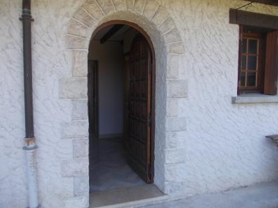 Proche Chaussin, vends belle maison de 7 pièces, 135m², dépendances sur 4800m² de terrain arboré, entrée