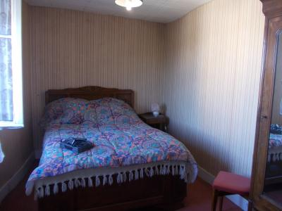 Sellières centre, à vendre maison en pierres de 5 pièces, 120m² habitables avec grande cave voutée., chambre étage 1