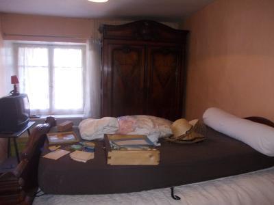 Sellières centre, à vendre maison en pierres de 5 pièces, 120m² habitables avec grande cave voutée., chambre étage 2