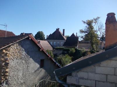 Sellières centre, à vendre maison en pierres de 5 pièces, 120m² habitables avec grande cave voutée., vue sur chateau 1