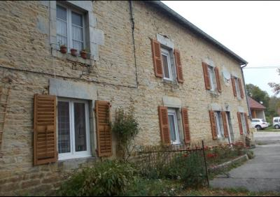 Salins les Bains vends belle maison de pierres, 5 pièces, 130m², dépendances sur 1200m² de terrain., vue de coté gauche