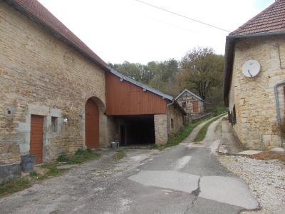 Salins les Bains vends belle maison de pierres, 5 pièces, 130m², dépendances sur 1200m² de terrain., dépendances