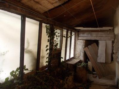 Secteur Mouchard, à vendre maison de village en pierres de 6 pièces 110m² habitables., terrasse plein sud
