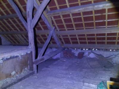 Secteur Mouchard, à vendre maison de village en pierres de 6 pièces 110m² habitables., comble aménageable