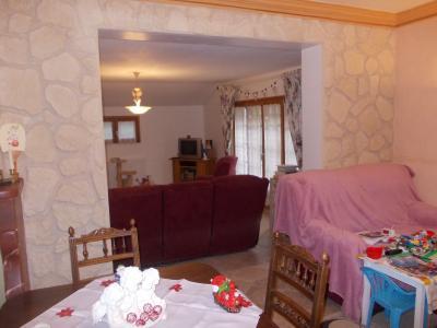 Chaussin à vendre confortable maison de 6 pièces, 170m², dépendances sur 12500m² de terrain clos., salon/séjour