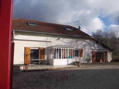 Chaussin à vendre confortable maison de 6 pièces, 170m², dépendances sur 12500m² de terrain clos., Vue de face