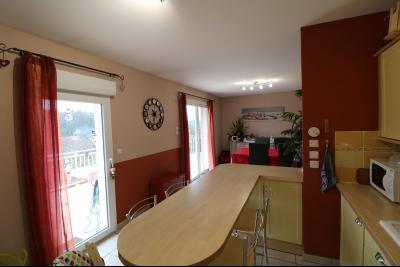 Mouchard, belle maison récente de 5 pièces, 110m², piscine, terrasse sur 1000m² de terraln clos., cuisine équipée ouverte
