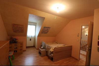 Mouchard, belle maison récente de 5 pièces, 110m², piscine, terrasse sur 1000m² de terraln clos., chambre étage 1