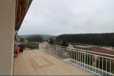 Mouchard, belle maison récente de 5 pièces, 110m², piscine, terrasse sur 1000m² de terraln clos., terrasse 45m² avec store
