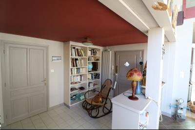 Chaumergy, à vendre très agréable maison de 7 pièces, 179m² sur 10060m² de terrain clos., coin bibliotheque