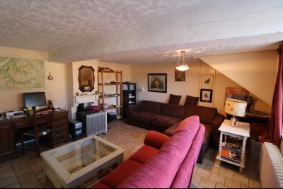 Chaumergy, à vendre très agréable maison de 7 pièces, 179m² sur 10060m² de terrain clos., salon avec bureau