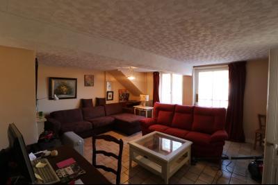 Chaumergy, à vendre très agréable maison de 7 pièces, 179m² sur 10060m² de terrain clos., idem