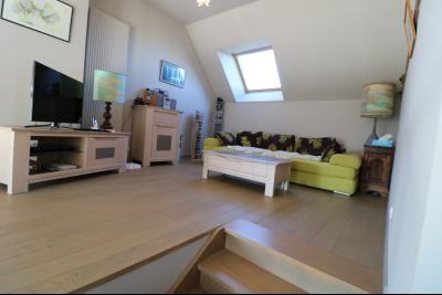 Chaumergy, à vendre très agréable maison de 7 pièces, 179m² sur 10060m² de terrain clos., mezzanine